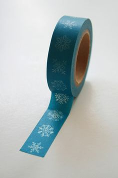 Hey, I found this really awesome Etsy listing at https://www.etsy.com/listing/104199597/washi-tape-15mm-white-snowflakes-on-teal
