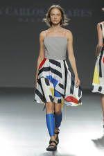 Juan Carlos Pajares exhibe sus propuestas para primavera-verano 2016 sobre la pasarela de Mercedes-Benz Fashion Week Madrid - Ediciones Sibila (Prensapiel, PuntoModa y Textil y Moda)