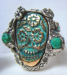Turquoise Sugar Skull Ring -Day of the Dead- Mexico by jeri Skull Jewelry, Jewelry Box, Jewelry Accessories, Jewlery, Hippie Jewelry, Turquoise Jewelry, Turquoise Bracelet, Turquesa E Coral, Memento Mori