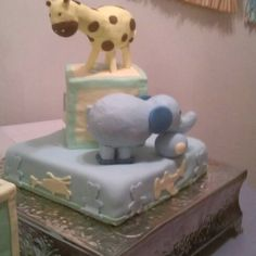 Baby animal Shower Cake