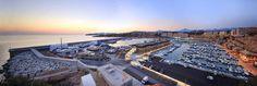 Mallorca es un lugar ideal para que los armadores disfruten del barco. Port Adriano es el mejor sitio para pasar un verano excepcional rodeado de las instalaciones y el ocio más selecto.