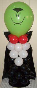 Escultura de globos de Dracula para halloween. #DecoracionHalloween
