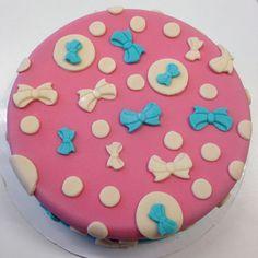 torten dekoration mit fondant   cake decoration with fondant ❤ polkadots & bows, Polkadots & Schleifen, Rockabilly, Rockabella, 50s