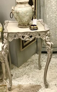 Antique and vintage furniture painted and reinvented in highly desirable styles. Gold Furniture, Vintage Furniture, Painted Furniture, Furniture Ideas, French Country Furniture, Country French, Grey And White, Gray, Side Tables