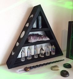 Side moon phase shelf