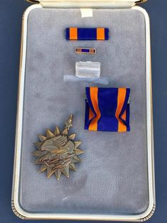 US Military Eagle Lightning Bolt Air Medal Set With Original Case~COLLECTIBLE~13 #MILITARYAIRMEDAL