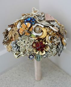 gold brown brooch bridal bouquet