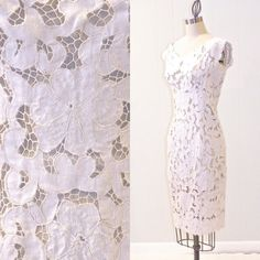 Vintage 1960s White Cutwork Lace Dress in Linen by daisyandstella