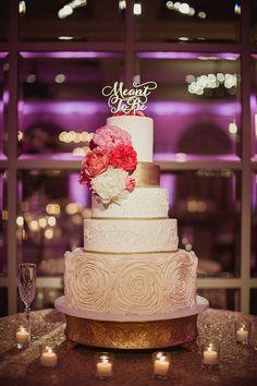 Wedding cake idea; Featured photographer: Shaun Menary Photog