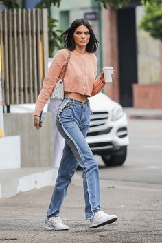 Kendall Jenner Finds Summer's Coolest Jeans | Vogue