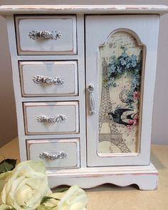 Beautiful French inspired vintage jewellery box by LivvysLoft on Etsy