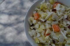 Lekkere witlofsalade als maaltijdsalde of bijgerecht. Zacht en zoet van smaak, dus hartstikke kidsproof!