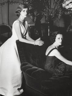 Gloria and Dolores Guinness in Balenciaga - 1957 - Vogue Paris - Photo by Henry Clarke
