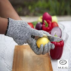 Level 5 Protection, Food Certified, Safty Gloves for Hand protection and yard-work, Kitchen Glove for Cutting and pair (Large) Japanese Steakhouse, Kitchen Gloves, Temporary Hair Dye, Safety Gloves, Protective Gloves, Teppanyaki, Cooking Supplies, Home Protection, Cooking Gadgets