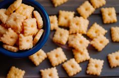 Homemade Truffle Cheeze-Its - So easy to make your own cheeseits right at home! #cheese #appetizer #snack #DIY