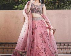 Lehenga Choli Designs, Ghagra Choli, Lehenga Choli Wedding, Pink Lehenga, Net Lehenga, Party Wear Lehenga, Lehenga Choli Online, Anarkali, Floral Lehenga