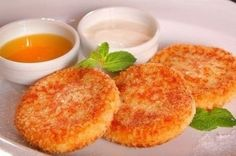 Carrot-apple cheese pancakes with vanilla sauce * Energy value per - b - g - y - For cheesecakes. Apple Recipes, Baby Food Recipes, Dessert Recipes, Cookie Desserts, Dessert Healthy, Russian Desserts, Vanilla Sauce, Cheese Pancakes, Apples And Cheese