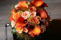 Saját menyasszonyi csokraink az ősz pompázatos színeiben :) #wedding #weddingfactory #esküvő #menyasszonyi #csokor #ősz #rózsa #kála