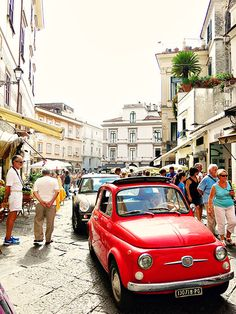 The 'Must See' Destinations whilst Road-Tripping on your Amalfi Coast Holidays (Amalfi)