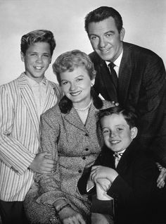 """Leave It To Beaver"" Tony Dow,Barbara Billingsley,Hugh Beaumont,Jerry Mathers 1957 CBS"