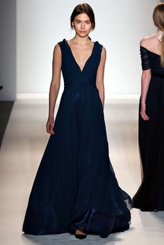 deep blue gown Jenny Packham Fall 2013 Ready to Wear Collection at New York Fashion Week. New York Fashion, Fashion Week, Runway Fashion, Jenny Packham, Dress Vestidos, Vogue, Winter Mode, Fall Winter, Costume