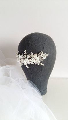 Bridal Hair Comb > Ivory Pearl Bridal hair comb with flowers Buy from e-shop Pearl Bridal, Bridal Tiara, Bridal Headpieces, Bridal Comb, Hair Comb Wedding, Wedding Hair Pieces, Wedding Stuff, Chic Wedding, Headpiece Jewelry
