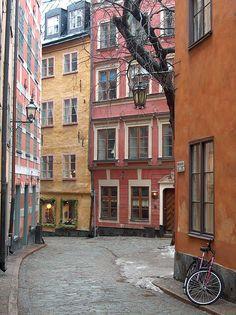 Walking alone (Stockholm, Sweden)