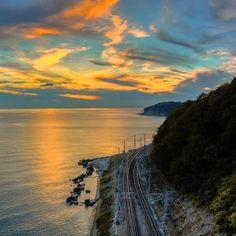 Закат в Лазаревском #sun #sky #sky_captures #skylovers #sunset #railway #l4l #sea #vsco #blacksea #mountains #explore #landscape #landscapelovers #nature #russia #natureRussia #hiking #travel #seaside #hdr #instalandscape #color