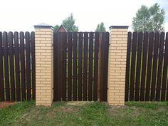 ПИКС на заборе из евроштакетника