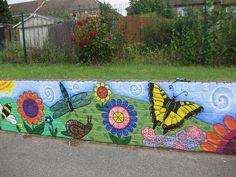 Nightingale Primary School: Minibeast playground mural by Pixie Art Workshops, via Flickr