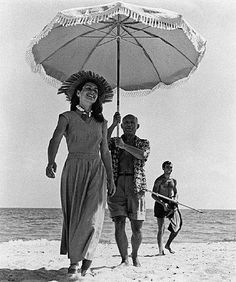 françoise gilot and picasso, with fin vilato, 1948 • robert capa