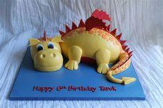 Dinosaur Birthday Cake Dragon Birthday Cakes, Dinosaur Birthday Cakes, Dinosaur Cake, Dinosaur Train Party, Cupcake Cakes, Cupcakes, 5th Birthday Party Ideas, Cake Art, Ideas Para