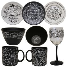 Chalkboard Art-Inspired Items Coming to Disney Centerpiece at Downtown Disney Marketplace in 2014 {NEEEEED! Disney Kitchen Decor, Disney Home Decor, Kitchen Themes, Disney Dining, Disney Crafts, Kitchen Ideas, Kitchen Stuff, Downtown Disney, Casa Disney