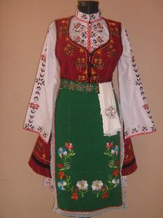 Ladies Thracian  two apron costume of Dobrich # Perunika 53 EOOD / Дамска тракийска носия от две части гр.Добрич # Перуника 53 ЕООД [http://www.biznesa.com/modules/icontent/index.php?page=851]