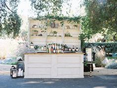 Event Rental Company www.divvier.com rent, sell, buy décor on our peer-to-peer marketplace. Vintage Rustic Boutique