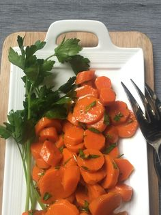 Honey Glazed Carrots: a simple side dish or vegetable to put on your Thanksgiving table // A Cedar Spoon