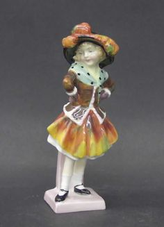 Royal Doulton PEARLY GIRL HN2036 Porcelain Figurine