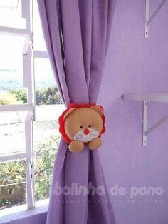 curtain tie back Kids Room Curtains, Kids Bedroom, Felt Crafts, Fabric Crafts, Felt Wreath, Curtain Styles, Felt Bows, Class Decoration, Felt Decorations