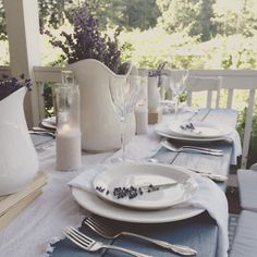 35 Best Farmhouse Table Settings , If you wish to buy a massive dining table, it is going to be difficult to obtain any antique oak ones going for under a thousand dollars. Beige Cabinets, Black Kitchen Cabinets, Farmhouse Kitchen Cabinets, Farmhouse Table, Oak Dining Chairs, Diy Dining Table, Outdoor Dining, Black Countertops, Dining Room Inspiration