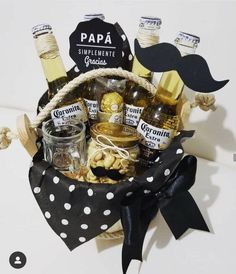 Fathers Day Gift Basket, Fathers Day Crafts, Happy Fathers Day, Diy Father's Day Gifts, Father's Day Diy, Diy Crafts For Gifts, Baskets For Men, Wine Gift Baskets, Basket Gift