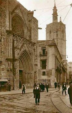 Años 30 - Casa de los Canónigos adosada a la Catedral / Valencia / vintage photography / cities