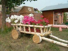 Идеи для дачи, которые мне понравились. Кое-что можно применить и на своем участке. Цветник из старого колеса. Удобное разграничение на секции. Может использовать вогородедля выращивания зелени На грядках, расположенных наклонно на южных склонах, можно получить ур