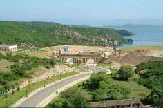 Mangla Dam, Mirpur, Azad Kashmir Beautiful World, Beautiful Places, Amazing Places, Kashmir Pakistan, Azad Kashmir, Pakistan Travel, Green Valley, India Tour, Nature Pictures