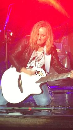 """Nikki gough on Twitter: """"I've hung on to every lyric since I was 9. Tonight was a dream for me...front row, watching @metheridge. #Pulse https://t.co/kxbpdAkurt"""""""