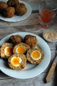 Kolbászos skót tojás törpetyúktojással recept Eggs, Breakfast, Food, Morning Coffee, Essen, Egg, Meals, Yemek, Egg As Food