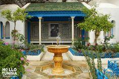 Ennejma Ezzahra, ou maison du Baron d'Erlanger, est l'une des plus belles demeures de la Tunisie moderne. Bâtie entre 1912 et 1922