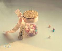 inspiratie nunta marturii sticle mici cu bomboane colorate inspiration wedding bottle favors with candy