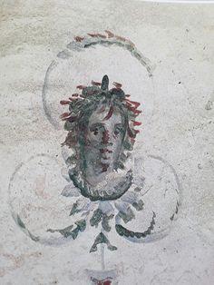 Testa di stagione (estate?) Affresco della Villa Piccola sotto la Chiesa di S. Sebastiano, Roma Fine del II sec. - Inizi del III sec. dC