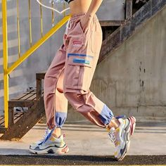 casual outfits date Cute Swag Outfits, Cute Comfy Outfits, Edgy Outfits, Korean Outfits, Retro Outfits, Dance Outfits, Cute Sweatpants, Pantalon Cargo, Teen Fashion Outfits