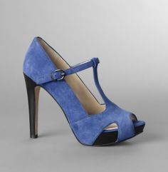 I am in love with these shoes.  They will be mine.  (update) They came last night and I'm wearing them today!